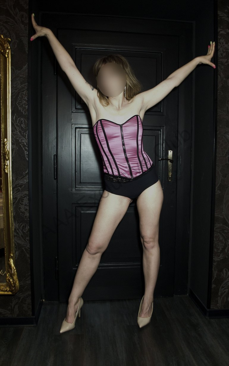 Photo Mellany - 32 yo girl Prague - photo 2
