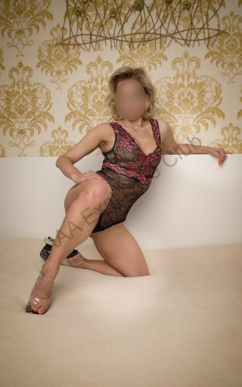 Photo Keira 32 yo girl Prague